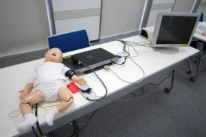 乳児医療トレーニングシミュレーター  (SimBady)